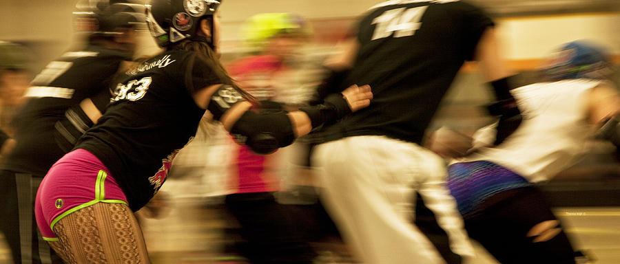 Sports Photograph - Roller Derby by Theresa Tahara