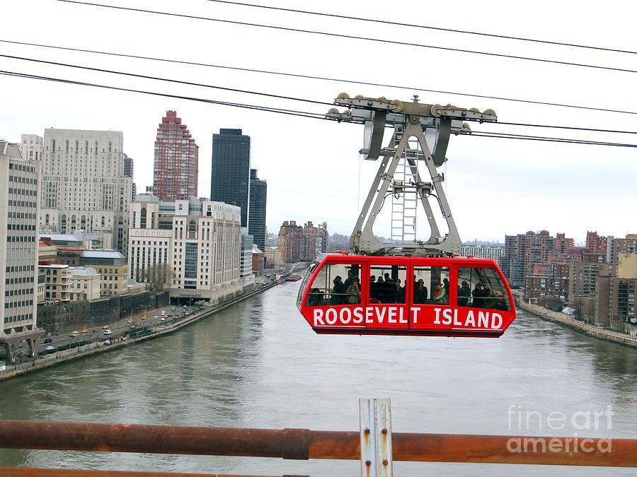 New York City Photograph - Roosevelt Island Tram by Ed Weidman