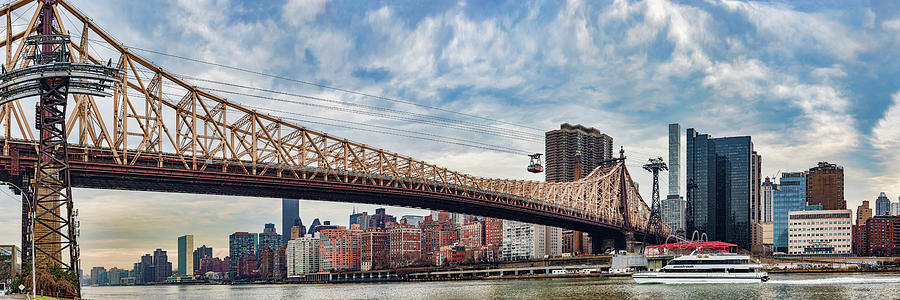 Horizontal Photograph - Roosevelt Island Tramway by Panoramic Images