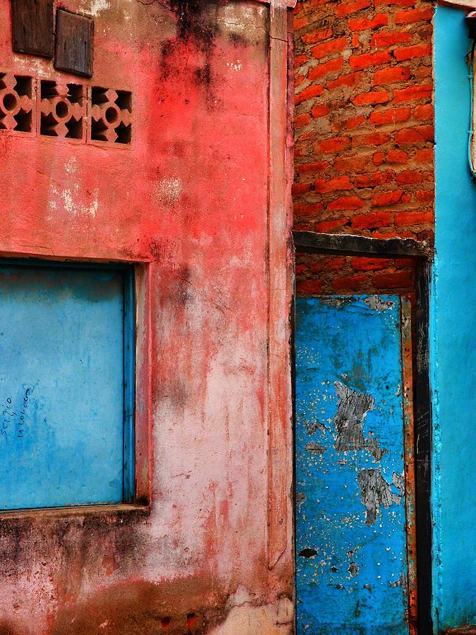 Taganga Photograph - Rosas Place by Skip Hunt