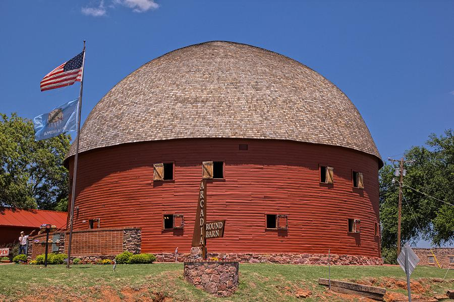 Round barn Arcadia OK Photograph by Duane Angles