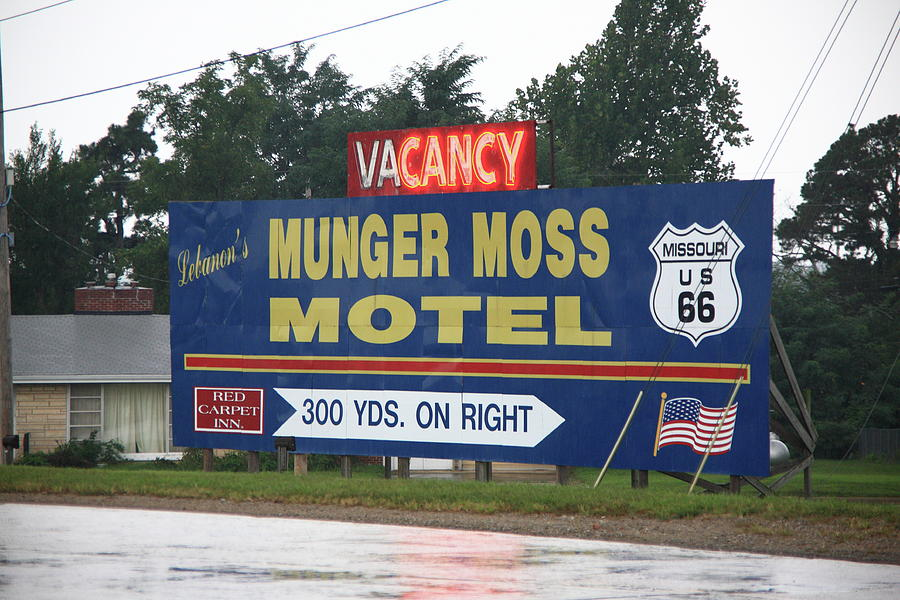 66 Photograph - Route 66 - Munger Moss Motel Sign by Frank Romeo