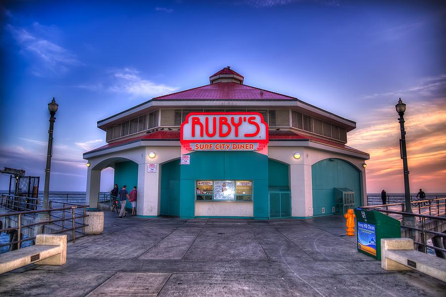 Ruby's Diner Photograph - Rubys Diner On The Pier by Spencer McDonald
