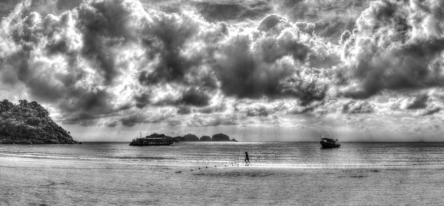 6d Photograph - run by Mario Legaspi