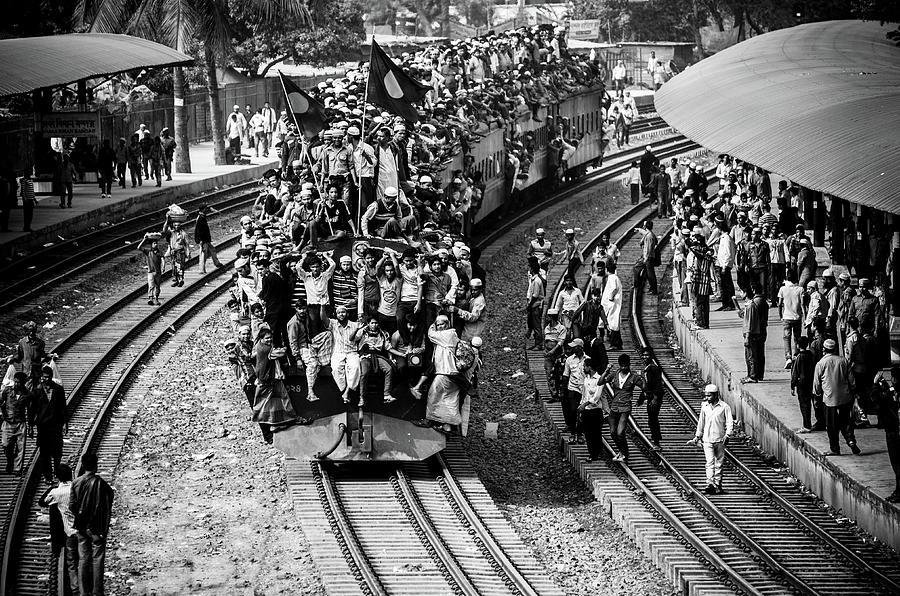 Train Photograph - Rush Hour by Mirza Zahidul Alam