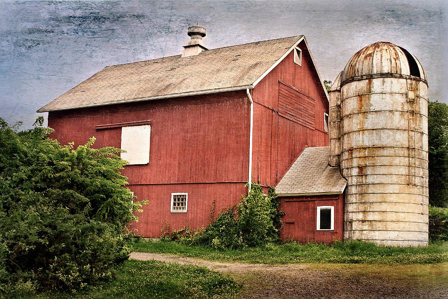Red Barn Photograph - Rustic Barn by Bill Wakeley