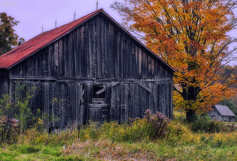 Vermont Photograph - Rustic Vermont Barn by John Vose