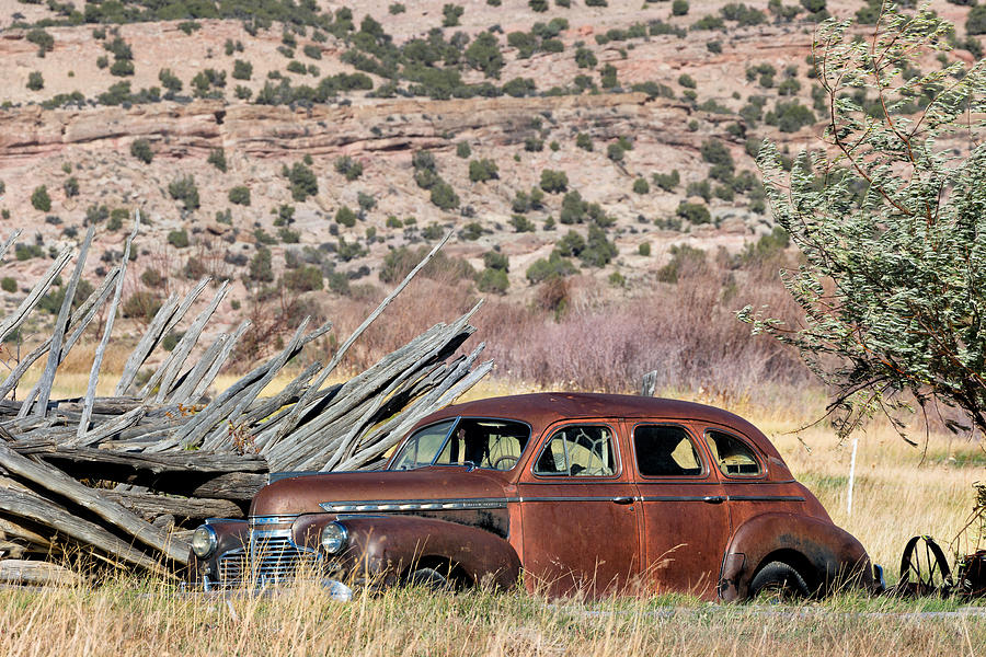 Chevrolet Photograph - Rusty Chevrolet Special Deluxe In Manila Utah by Kathleen Bishop