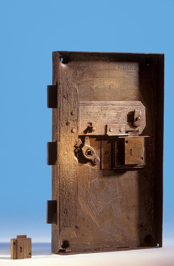 Door Photograph - Safe Door From The Titanic by Science Photo Library
