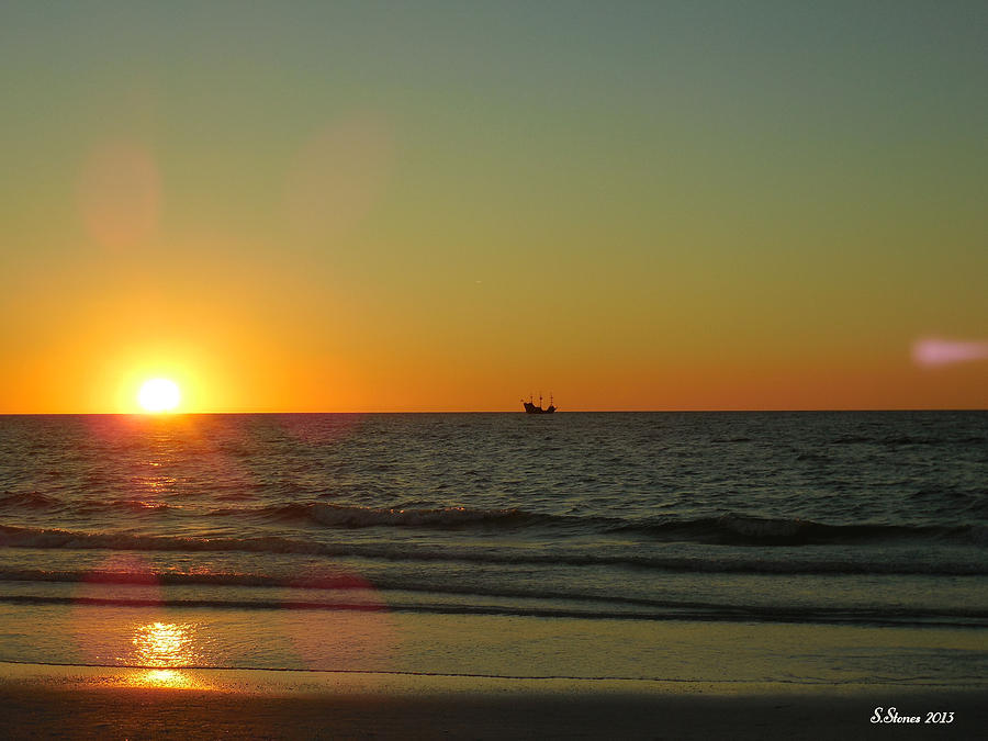 Sail To The Horizon Photograph