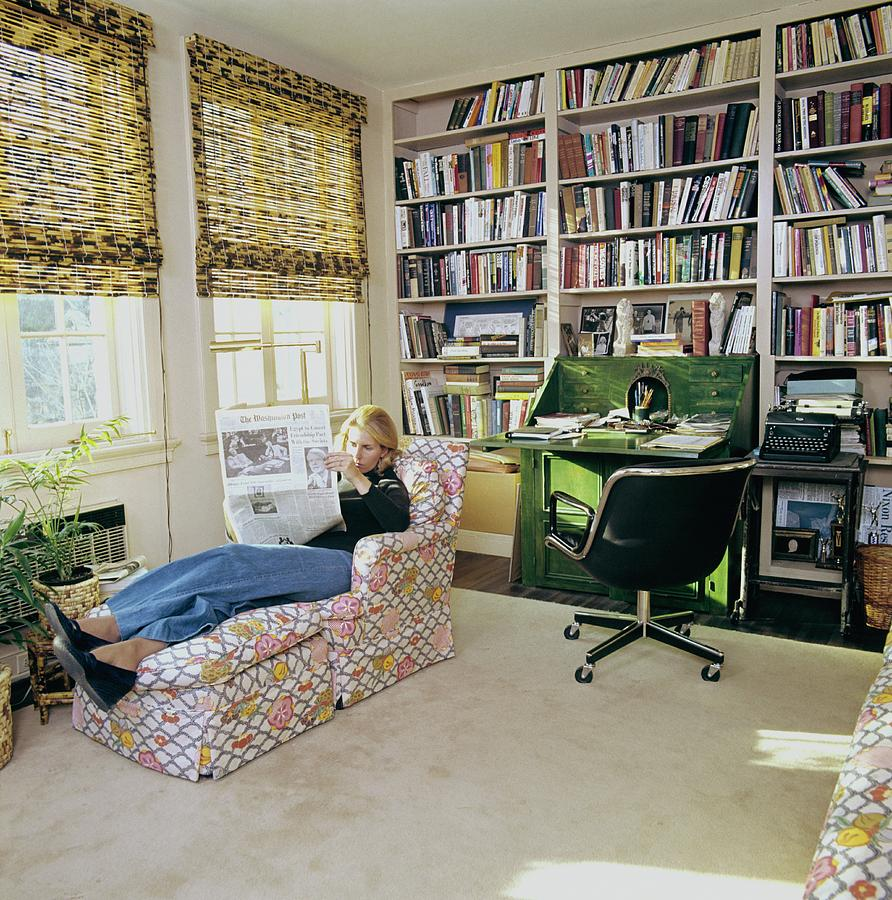 Sally Quinn Reading In The Study Room Photograph by Ernst Beadle