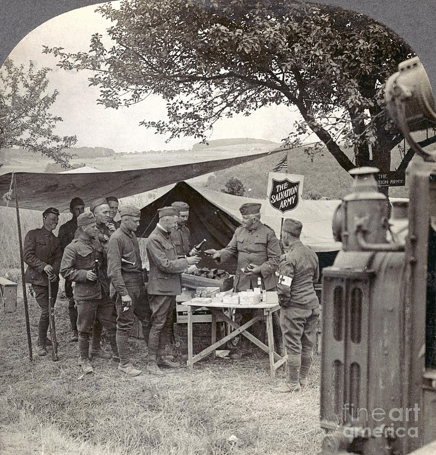 1918 Photograph - Salvation Army At Front by Granger
