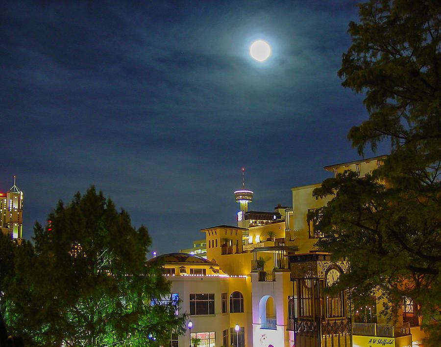 San Antonio Photograph - San Antonio Cityscape by Allen Sheffield