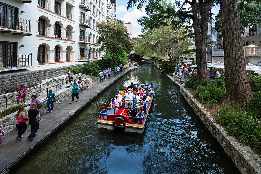 Hill Country Photograph - San Antonio Riverwalk by Bill Staney