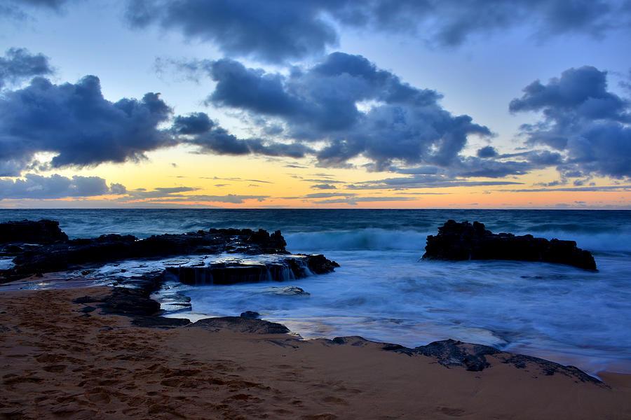 Sunrises Photograph - Sandy Beach Sunrise 6 - Oahu Hawaii by Brian Harig