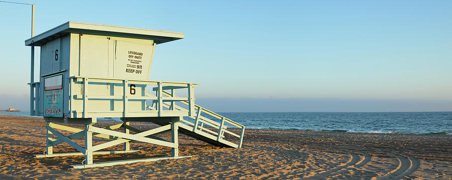 Santa Monica Lifeguard Station Photograph by S. Greg Panosian