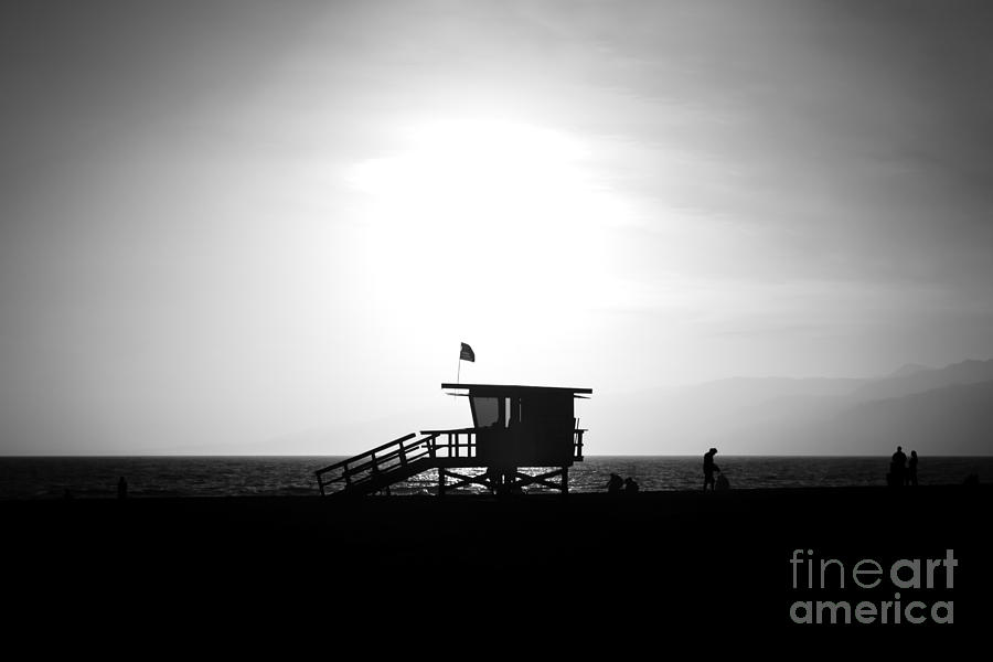 America Photograph - Santa Monica Lifeguard Tower In Black And White by Paul Velgos