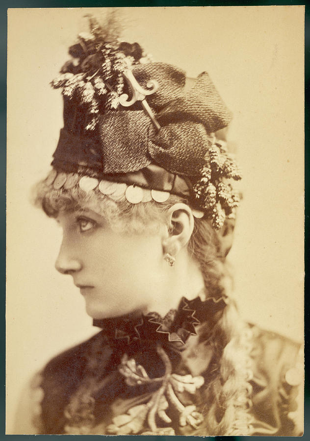 Sarah Photograph - Sarah Bernhardt (1845 - 1923), French by Mary Evans Picture Library