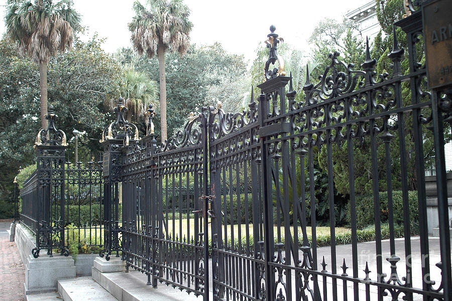 Southern Mansion Photograph - Savannah Georgia Mansion With Black Rod Iron Gates by Kathy Fornal