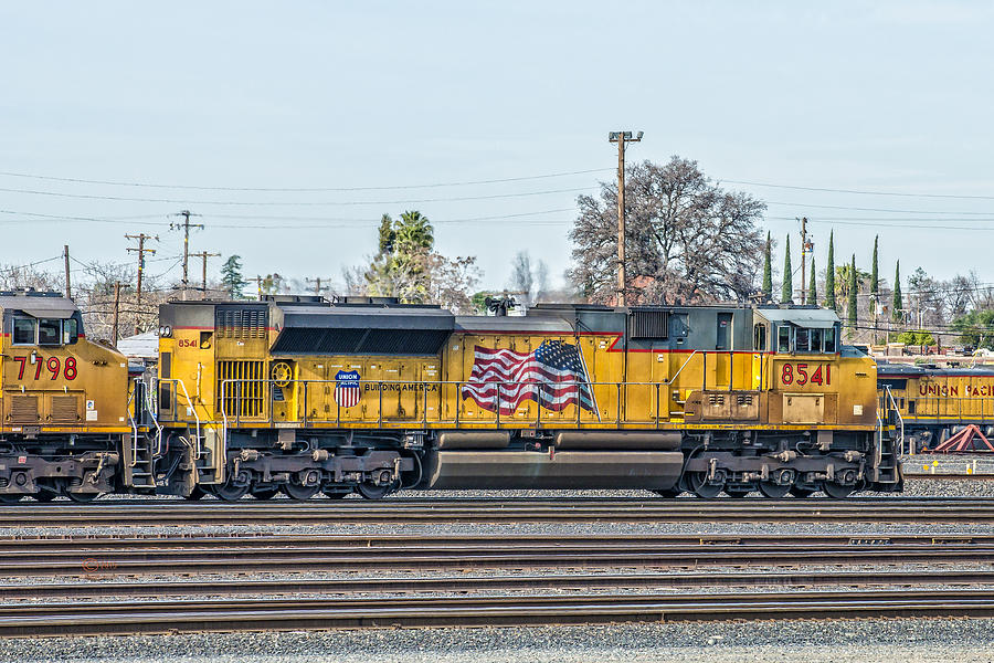 California Photograph - Sd70ace Up8541 Leading East Out Of Roseville by Jim Thompson