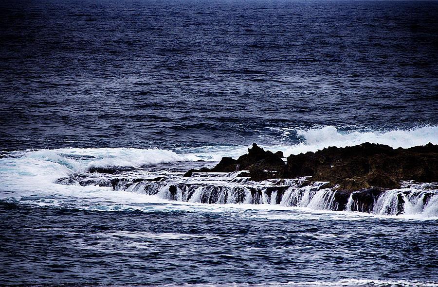 Oahu Photograph - Sea Waterfall by Douglas Barnard