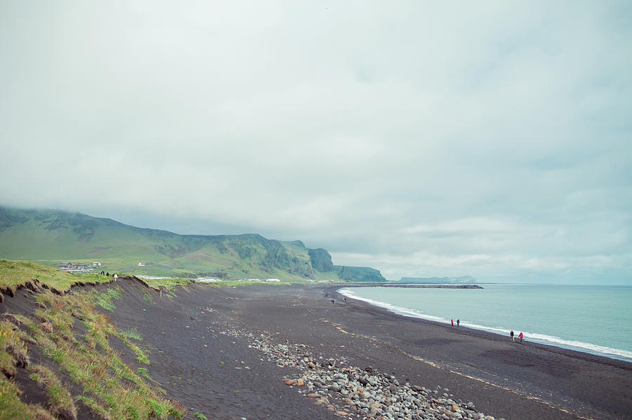 Seaside In Iceland Photograph by Oscar Wong