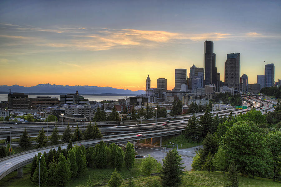 Seattle Photograph - Seattle Skyline At Sunset by David Gn