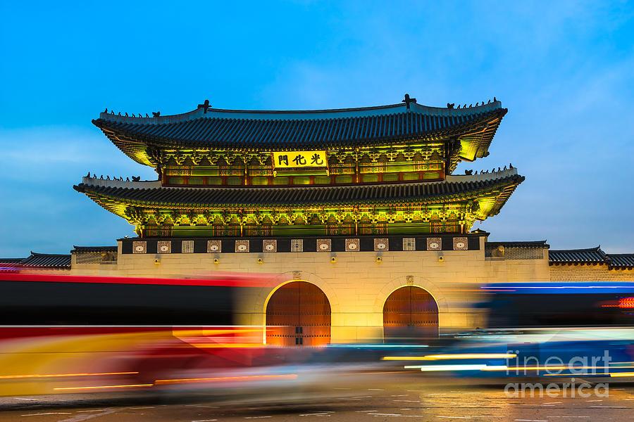 Seoul Photograph - Seoul 03 by Tom Uhlenberg