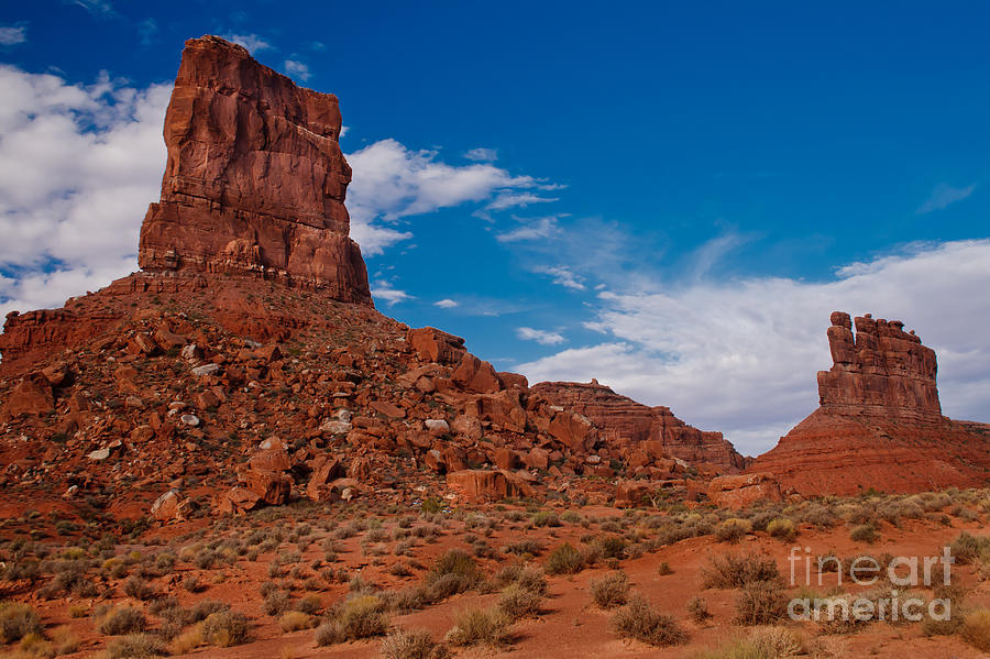 Valley Of The Gods Photograph - Setting Hen Butte by Robert Bales