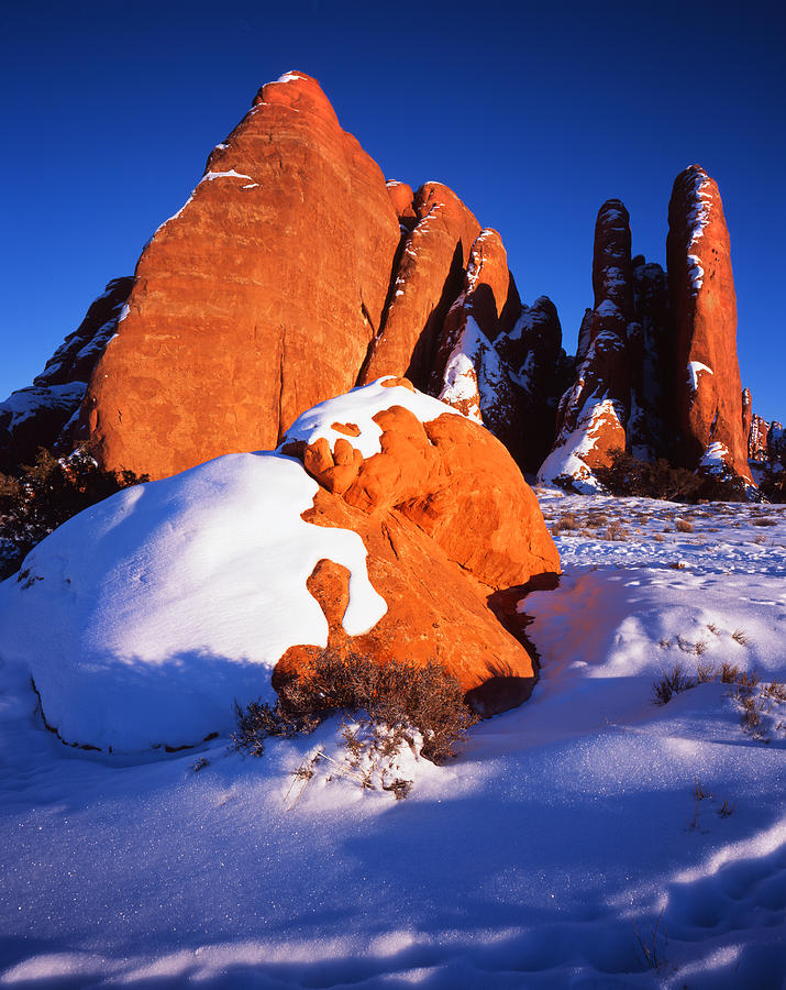 Arches National Park Photograph - Sh-arch Fins by Ray Mathis