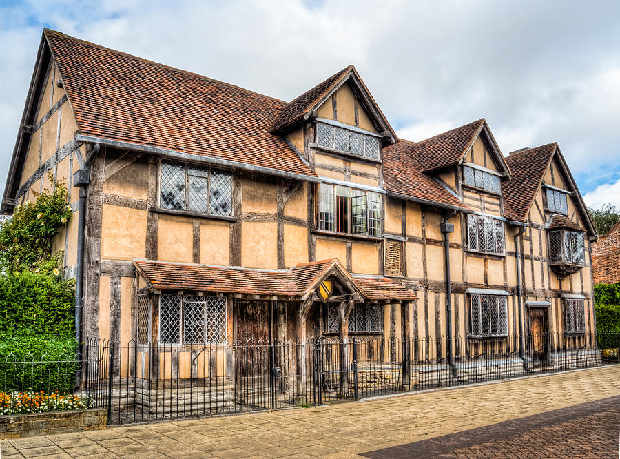Photography Photograph - Shakespeares Birthplace by Trevor Wintle
