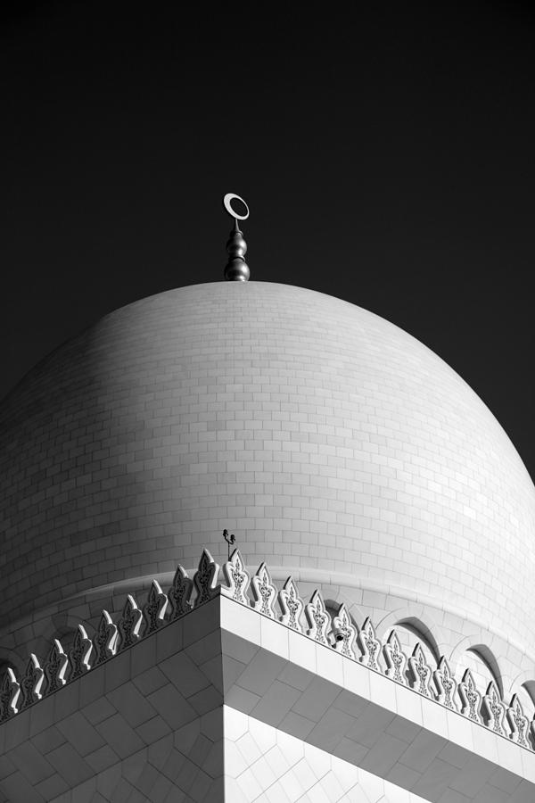 Sheikh Zayed Grand Mosque Photograph - Sheikh Zayed Grand Mosque by Myles Cummings