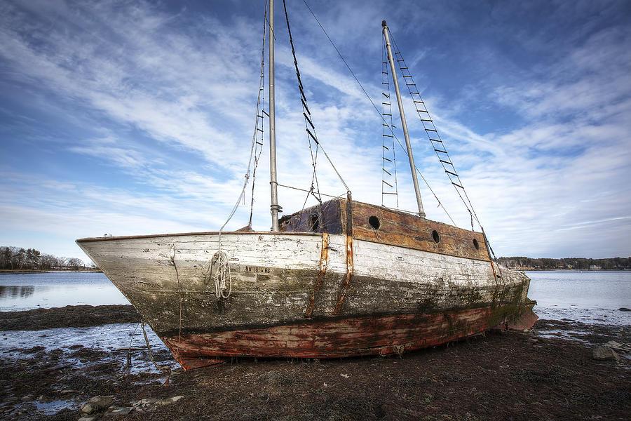 Shipwreck Photograph - Shipwreck by Eric Gendron