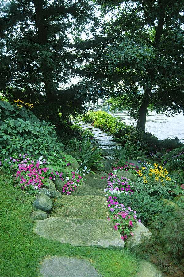 Lake Geneva Photograph - Shore Path - Lake Geneva Wisconsin by Bruce Thompson