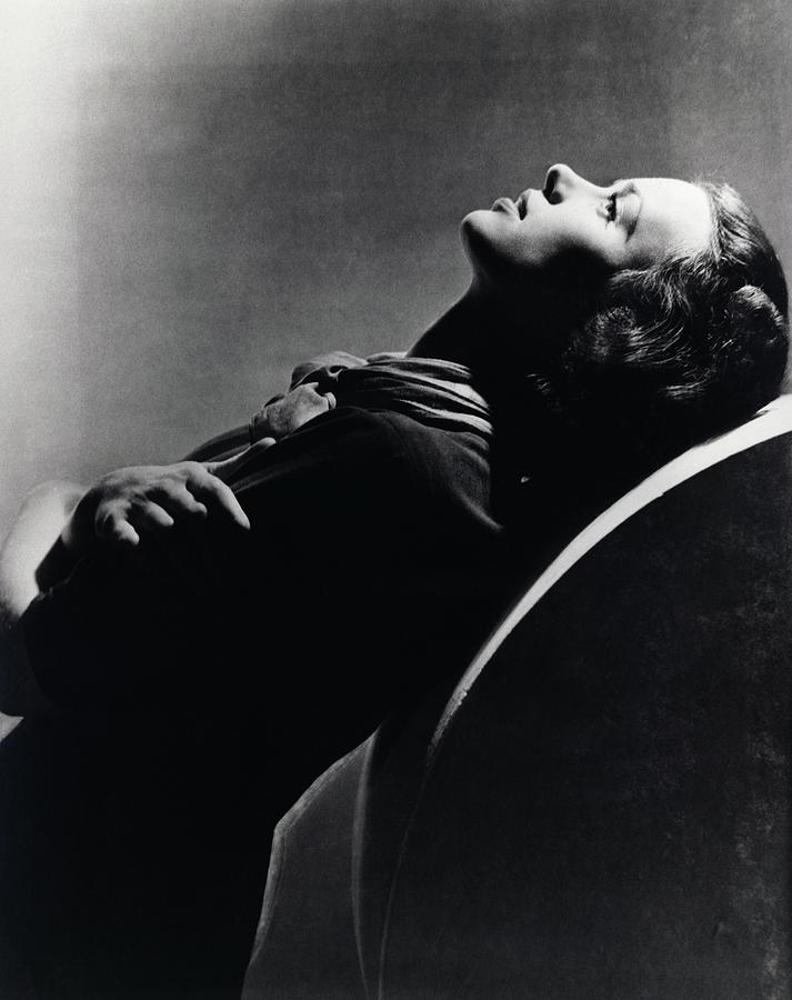 Side View Of Jessica Tandy Photograph by Horst P. Horst