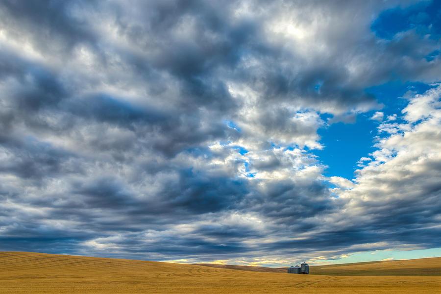 Grain Silo Photograph - Silo Under Big Palouse Sky by Chris McKenna