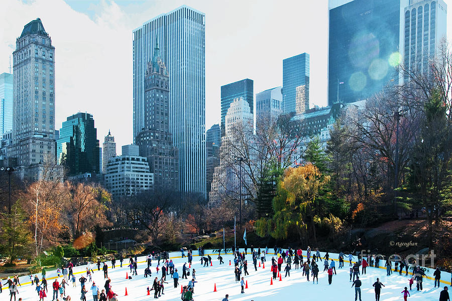 Ice skating in Wollman in Central Park