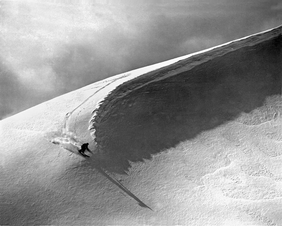1951 Photograph - Skiing Under A Curl by Underwood Archives