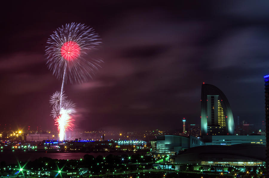 Skyrockets In Yokohama Photograph by Motodan