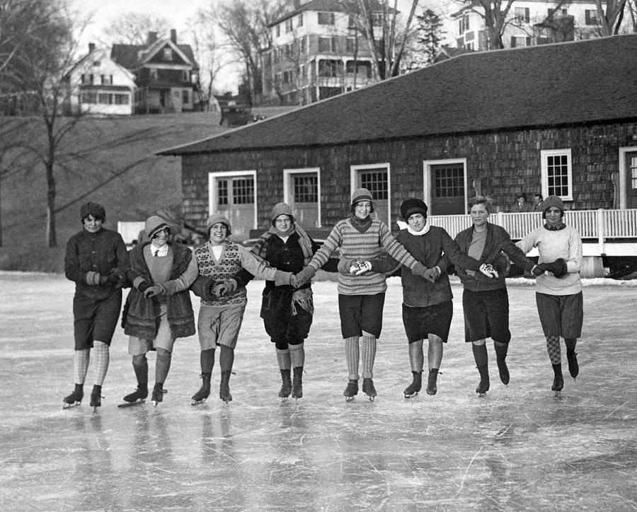 1928 Photograph - Smith Girls Skate On Paradise Pond by Underwood Archives