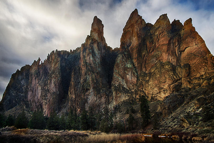 Smith Rock Photograph - Smith Rock State Park 3 by Robert Woodward