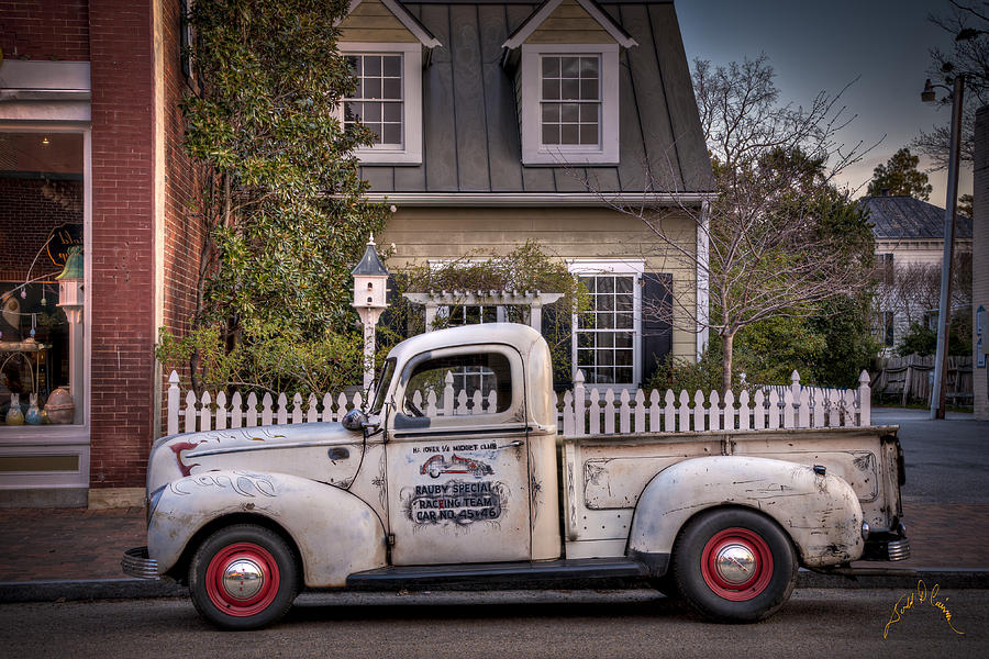 Classic Photograph - Smithfield Truck by Williams-Cairns Photography LLC