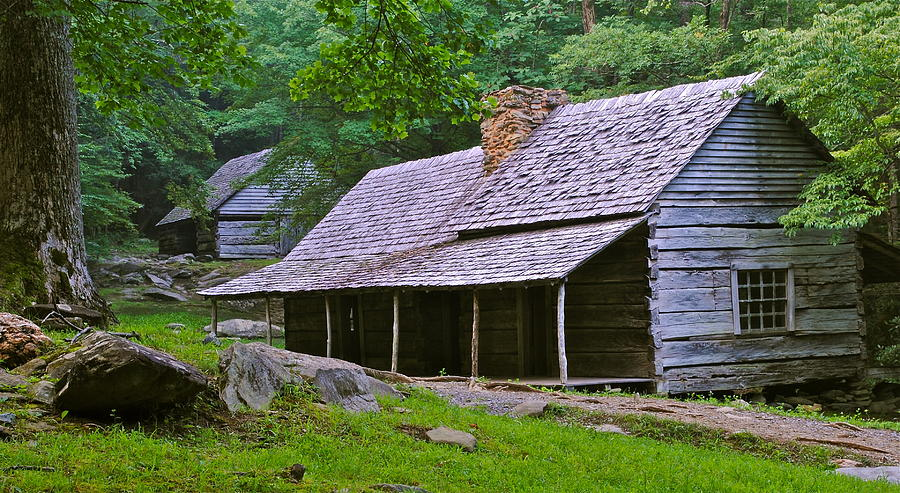Smoky Photograph - Smoky Mountain Cabins by Frozen in Time Fine Art Photography