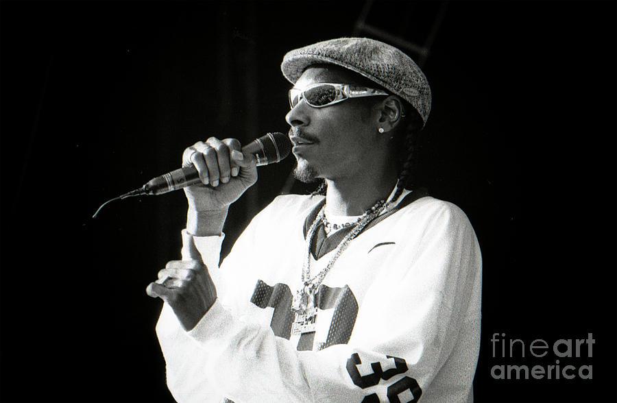 Snoop Photograph - Snoop-gp18 by Timothy Bischoff