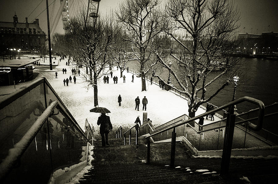 London Eye Photograph - Snow In London by Lenny Carter
