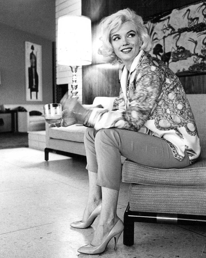 Icon Photograph - Marilyn Monroe  by Retro Images Archive
