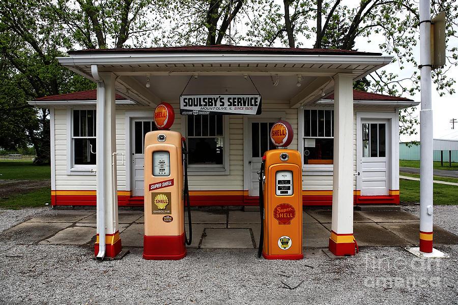 Service Station Photograph - Soulsbys Service by John Rizzuto