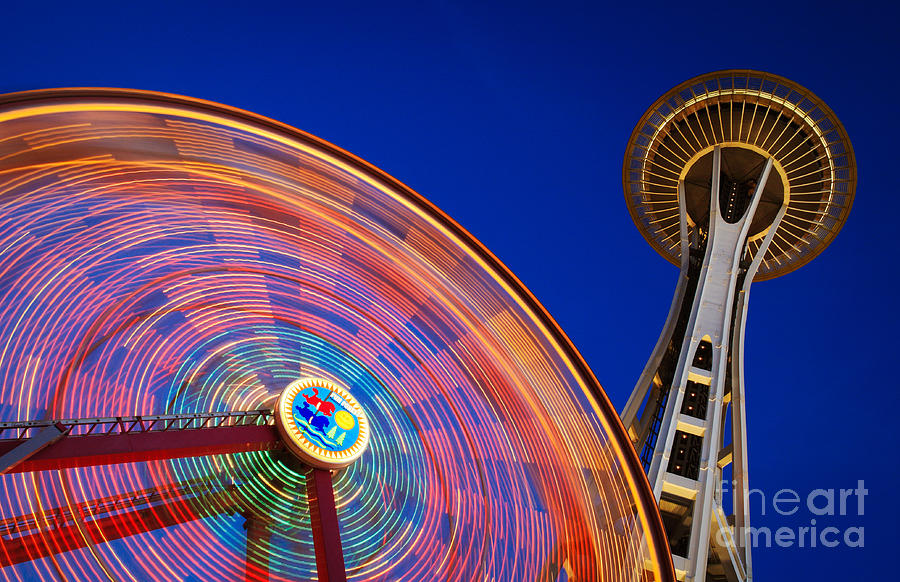 Space Needle Photograph - Space Needle And Wheel by Inge Johnsson