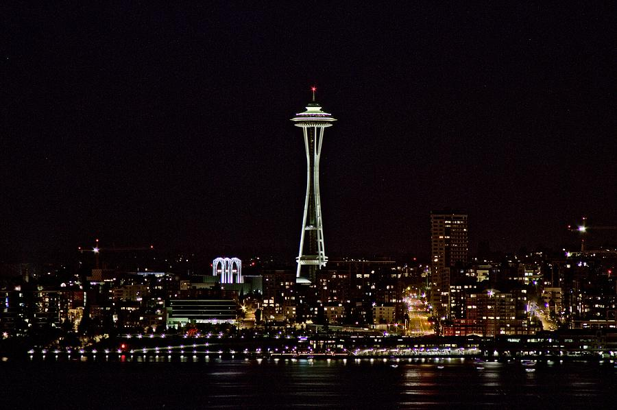 Seattle Skyline Photograph - Space Needle At Night by Marv Russell