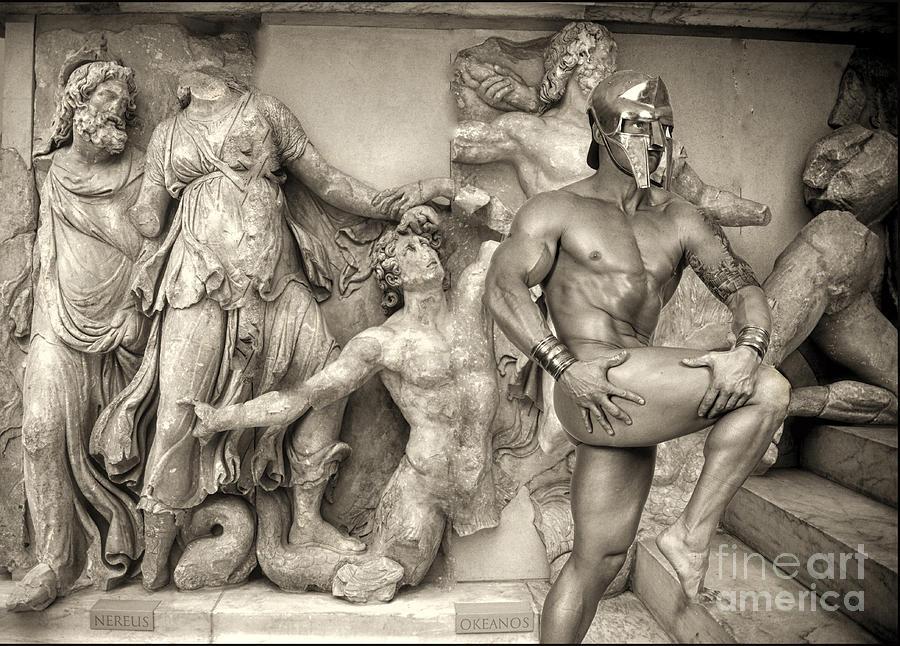 Artistic Nude Photograph - F 1 Spartano Nudo by Norberto Torriente